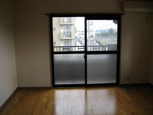 080830_move_room.jpg