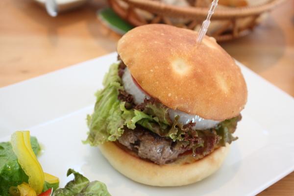 http://www.ndid.net/blog_ndid/image/100925_Hikone_Ryuoh_CLUB_HARIE_food3.JPG